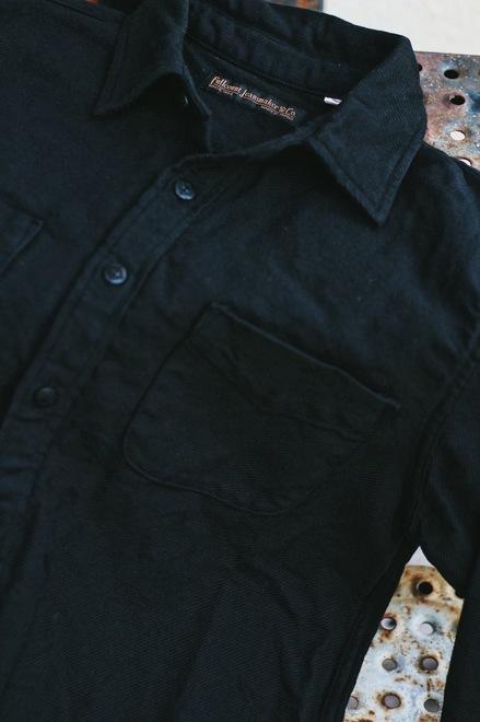 ブラック社ツ1.JPG